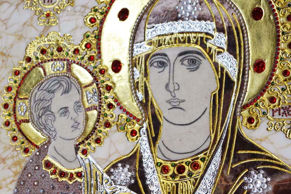Троеручица золотая, фото
