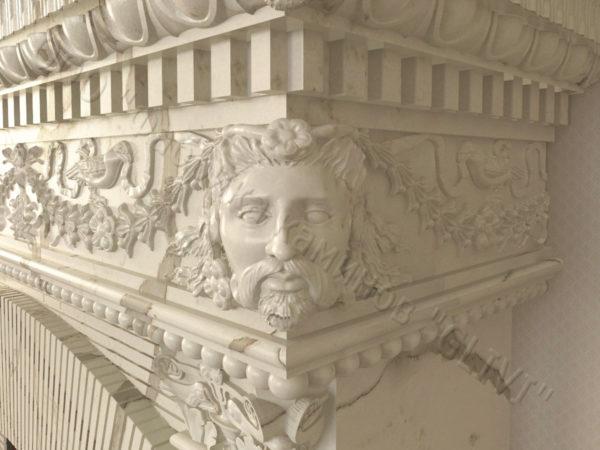Фронтальный (прямой) камин Фенди