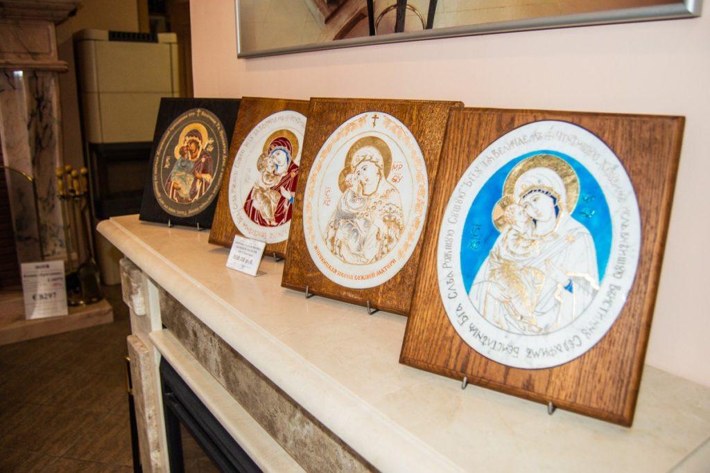 Иконы и изделия из камня в салоне Glivi в Минске