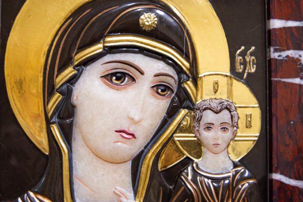 Икона Казанской Богоматери № 3_12-1 (резная) из мрамора от Гливи, фото 3