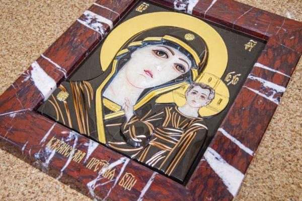 Икона Казанской Богоматери № 3_12-1 (резная) из мрамора от Гливи, фото 5
