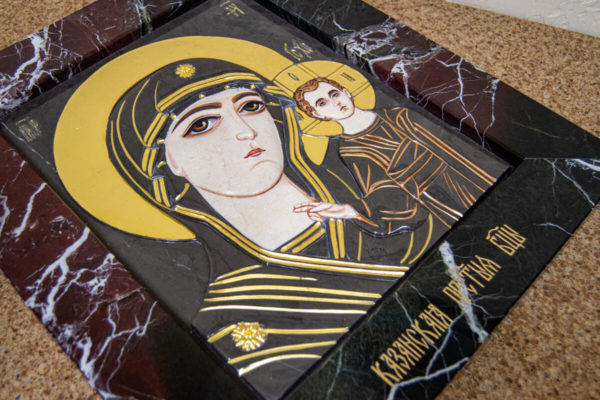 Икона Казанской Богоматери № 3/12-5 (резная) из мрамора от Гливи, фото 10