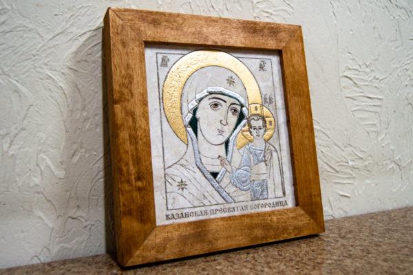 Икона Казанской Богоматери № 14, плоскостная гравированная икона, оформленная художественной эмалью или поталью, фото 3