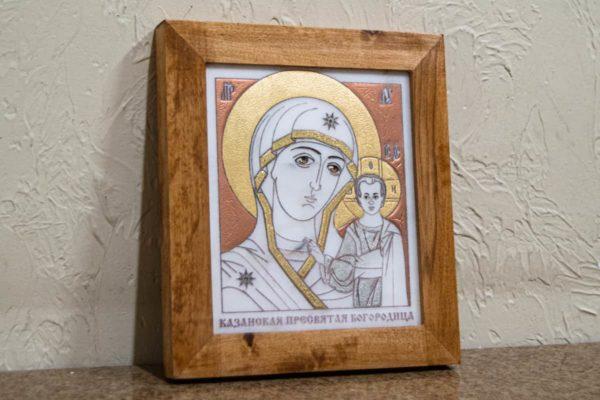 Икона Казанской Богоматери № 27, плоскостная гравированная икона, оформленная художественной эмалью или поталью, фото 2