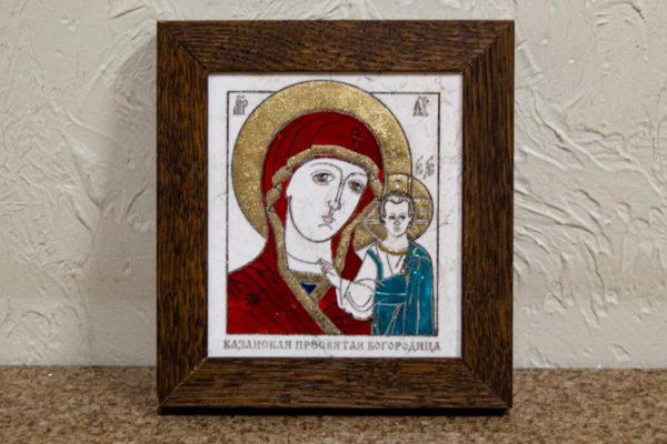 Икона Казанской Богоматери № 30, плоскостная гравированная икона, оформленная художественной эмалью или поталью, фото 1