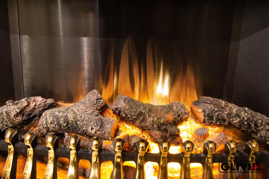 Статья Электрокамин с эффектом живого пламени, фото сделано в салоне каминов и изделий из камня Гливи на ул. П. Бровки 3, корпус 2, фото 5