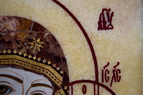 Икона Казанской Богоматери № 1.25-12 из мрамора от Гливи, фото сделано в фирменном салоне в Минске, изображение № 3