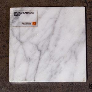 Мрамор Bianco Carrara с обработкой антик, салон Гливи, фото 1