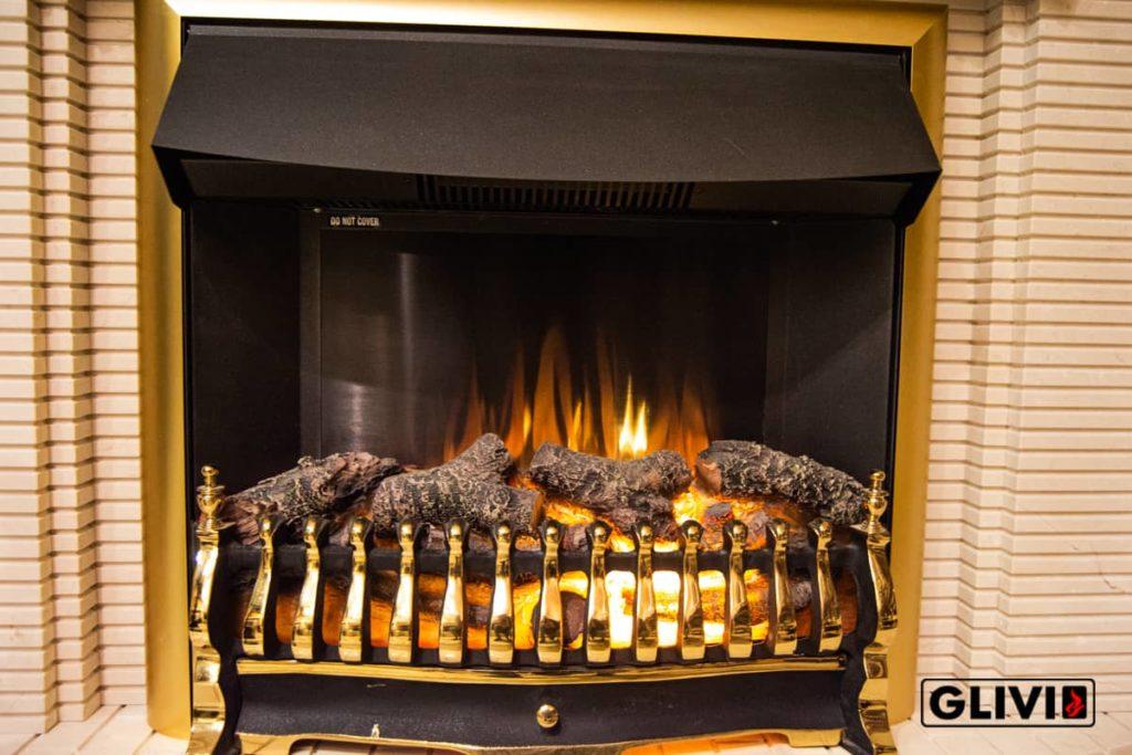 Электрокамин с эффектом живого пламени, фото сделано в салоне каминов и изделий из камня Гливи на ул. П. Бровки 3, корпус 2, фото 1