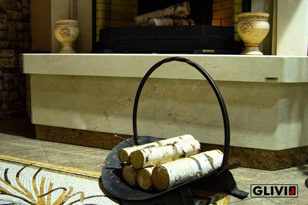 Изображение с горящими поленьями для статьи по печным трубам и дымоходам, а так же фактар, который должен знать каждый владелей каминов. Фото 1