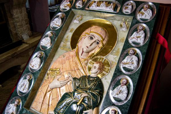Икона Иверской Божией Матери (рельефная, храмовая) без № из мрамора, камня, от Гливи, фото 1