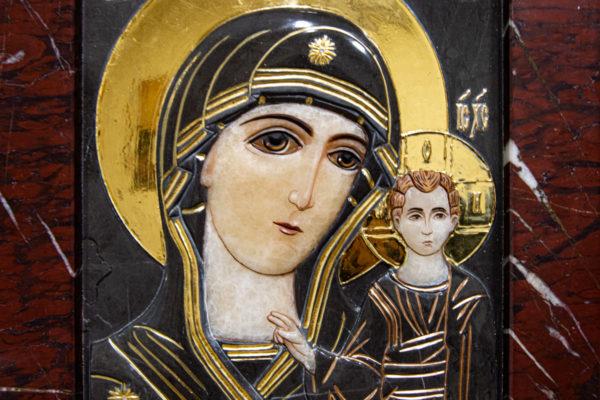Икона Казанской Божией Матери № 3-12-3 из мрамора, камня, от Гливи, фото 2