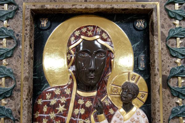 Ченстоховская икона (рельефная, храмовая) не номерная из камня, Гливи, фото 1