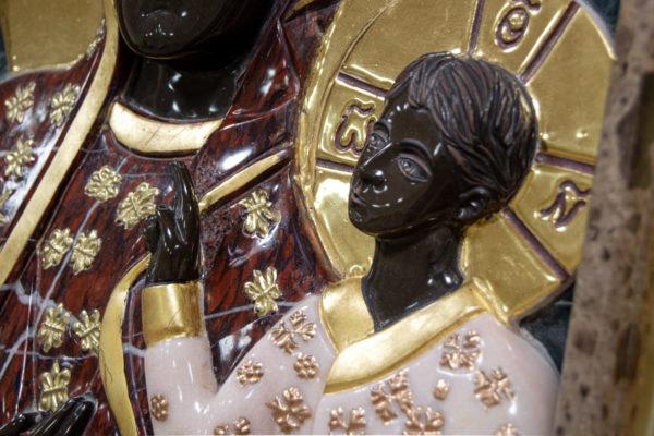 Ченстоховская икона (рельефная, храмовая) не номерная из камня, Гливи, фото 8