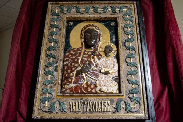 Ченстоховская икона (рельефная, храмовая) не номерная из камня, Гливи, фото 11