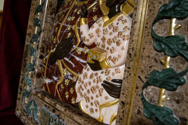 Ченстоховская икона (рельефная, храмовая) не номерная из камня, Гливи, фото 15