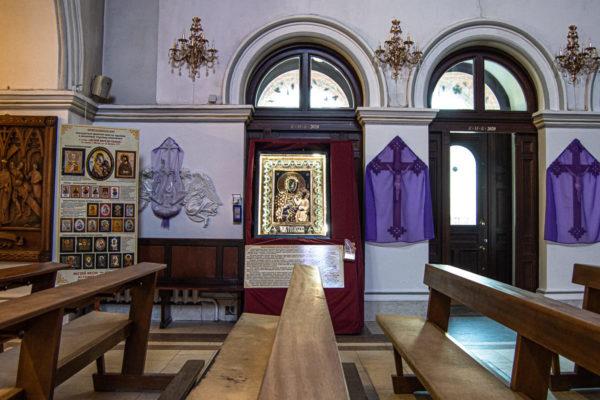Ченстоховская икона (рельефная, храмовая) не номерная из камня, Гливи, фото 27
