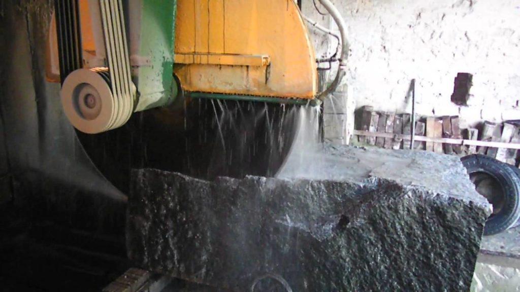 Услуга изготовление изделий из камня от Гливи. Обработка (раскрой) массива камня)