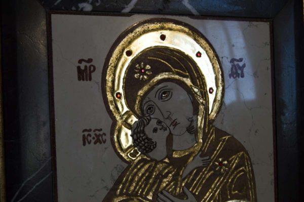 Икона Владимирской Божией Матери № 5 из мрамора, камня, от Гливи, фото 2