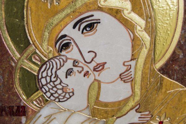 Икона Владимирской Божией Матери № 2-12-2 из мрамора, камня, от Гливи, фото 1