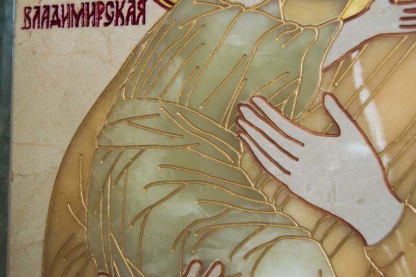 Икона Владимирской Божией Матери № 2-12-8 из мрамора, камня, от Гливи, фото 6
