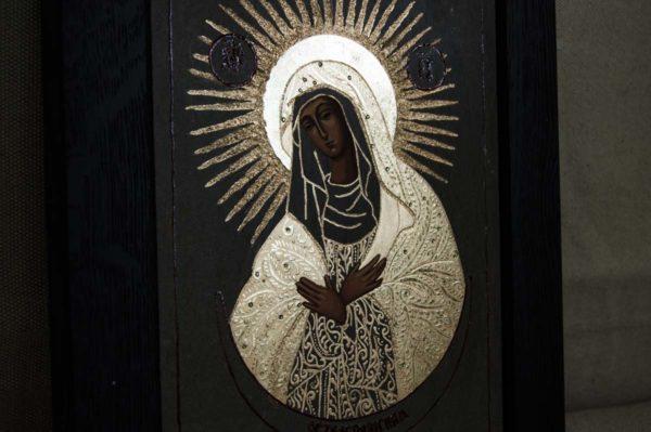 Икона Остробрамской Божией Матери № 03 из мрамора, камня, изображение, фото 3