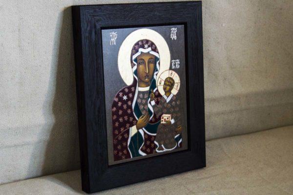 Икона Ченстоховской Божией Матери № 02 из мрамора, каталог икон, изображение, фото 1