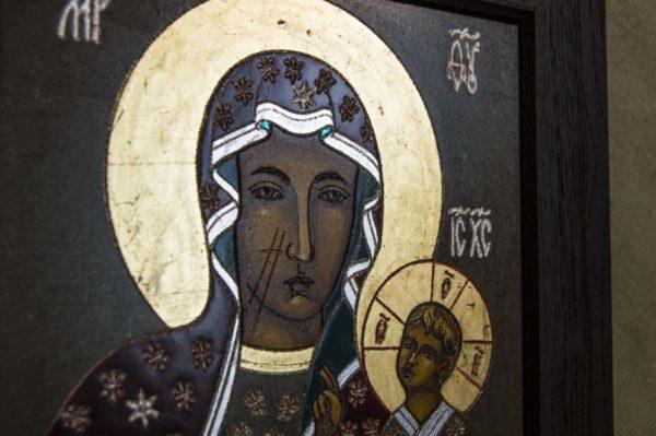 Икона Ченстоховской Божией Матери № 02 из мрамора, каталог икон, изображение, фото 4