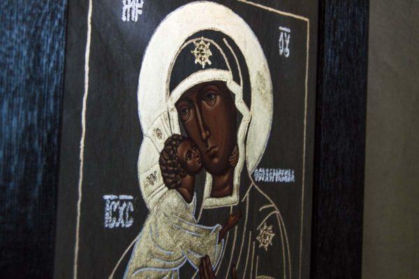 Икона Феодоровской Божией Матери № 2 из мрамора, камня, изображение, фото 1