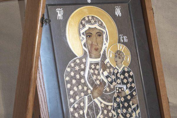 Икона Ченстоховской Божией Матери № 1-12,5 из мрамора, каталог икон, изображение, фото 3