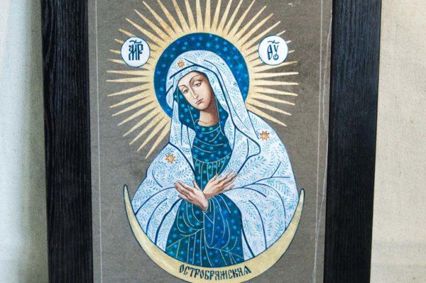 Икона Остробрамской Божией Матери № 06 из мрамора, камня, изображение, фото 1