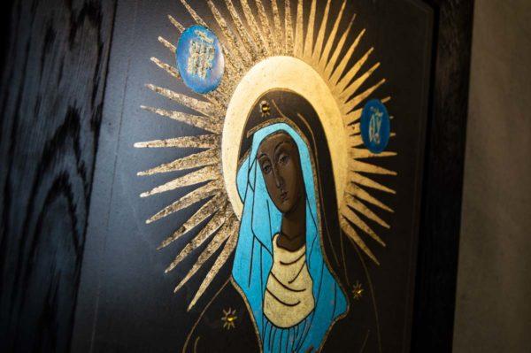Икона Остробрамской Божией Матери № 07 из мрамора, камня, изображение, фото 1