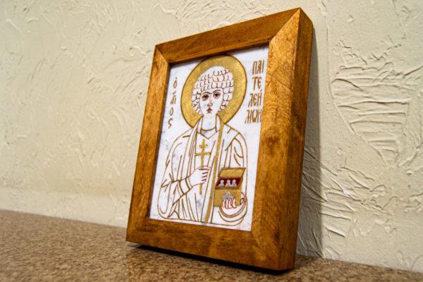 Икона Святой великомученицы Святого Пантелеймона № 2 из мрамора, камня, изображение, фото 1