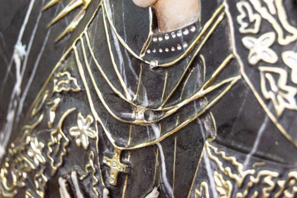 Резная икона Остробрамской Божьей Матери из мрамора, каталог икон в интернет-магазине изображение, фото 6