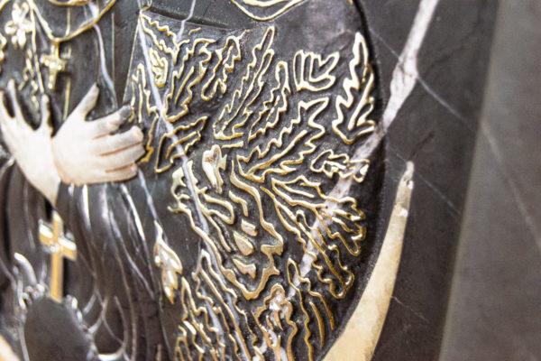 Резная икона Остробрамской Божьей Матери из мрамора, каталог икон в интернет-магазине изображение, фото 8