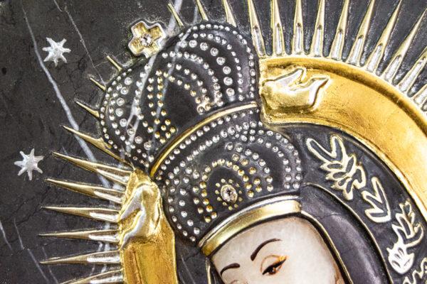 Резная икона Остробрамской Божьей Матери из мрамора, каталог икон в интернет-магазине изображение, фото 11