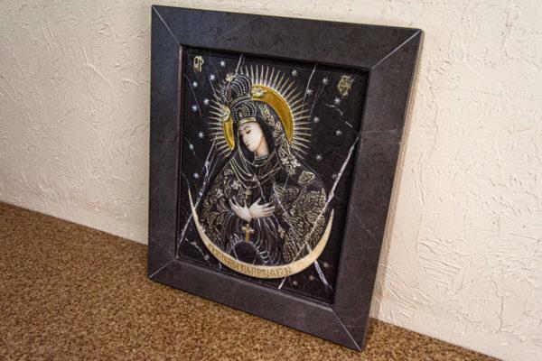 Резная икона Остробрамской Божьей Матери из мрамора, каталог икон в интернет-магазине изображение, фото 14