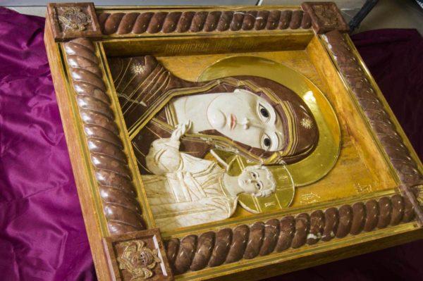 Икона Казанской Божией Матери (рельефная, храмовая) без № из мрамора, каталог икон, фото 1