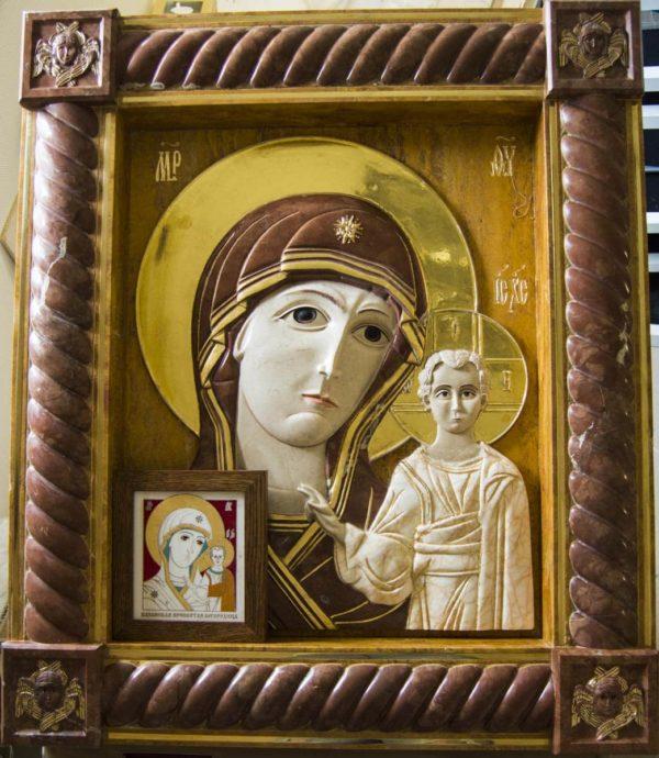 Икона Казанской Божией Матери (рельефная, храмовая) без № из мрамора, каталог икон, фото 2