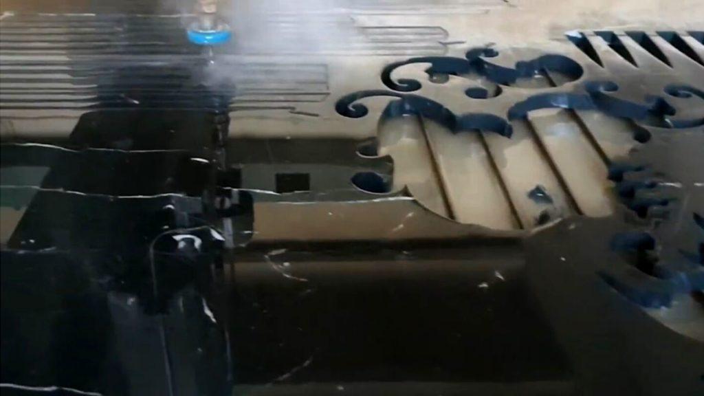 Как изготавливают столешницы из камня на станке. Производство. Изображение. Фото 5